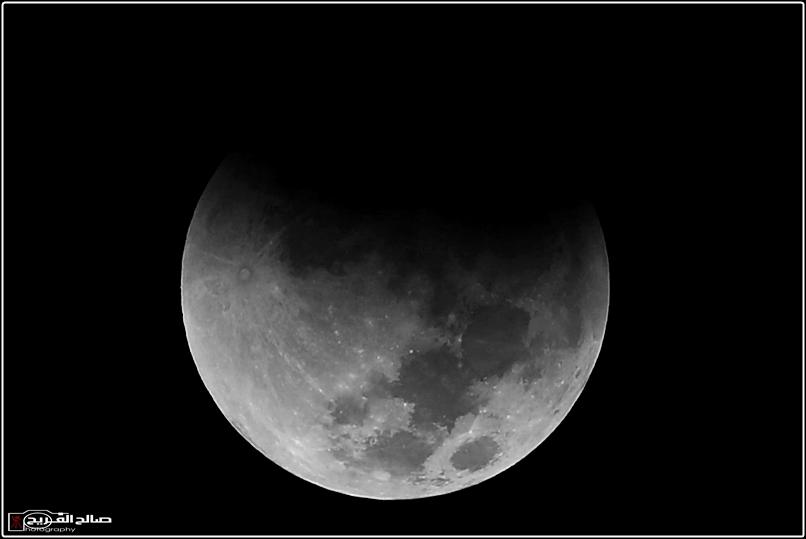 مراحل خسوف القمر سماء رفحاء 14434633376.jpg