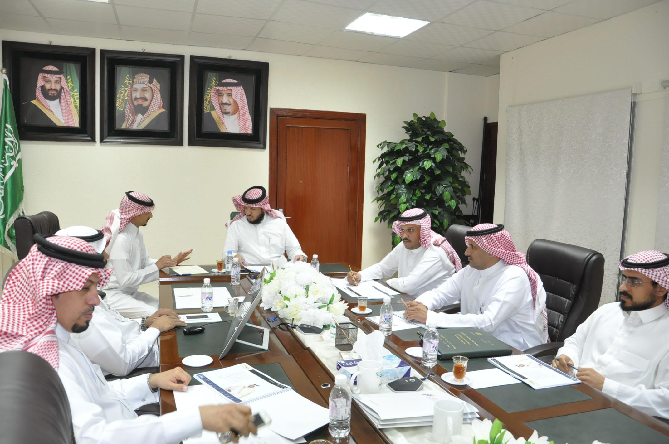 مدير تعليم الطائف يؤكد جميع الشركات المجتمعية ورعاة الفعاليات وفق أنظمة وزارة التعليم